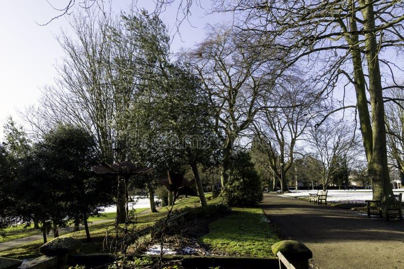 Invierno en el balneario real de Leamington - sitio de bomba/jardines de Jephson foto de archivo