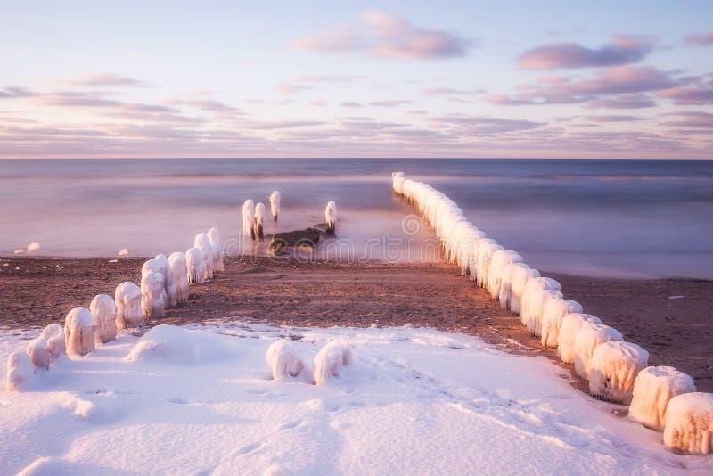 Invierno en el mar Báltico, Polonia foto de archivo libre de regalías