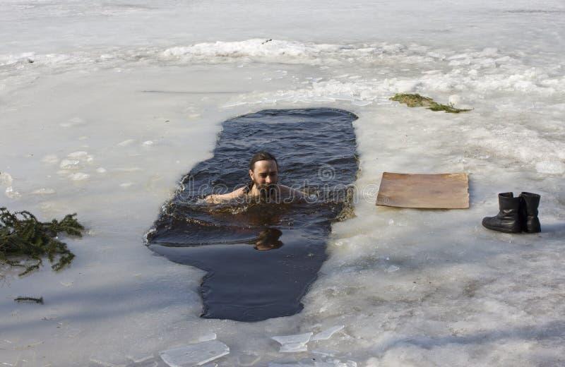 Invierno-nadador fotos de archivo