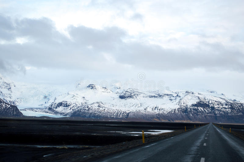 Invierno Roadtrip en Islandia imagenes de archivo