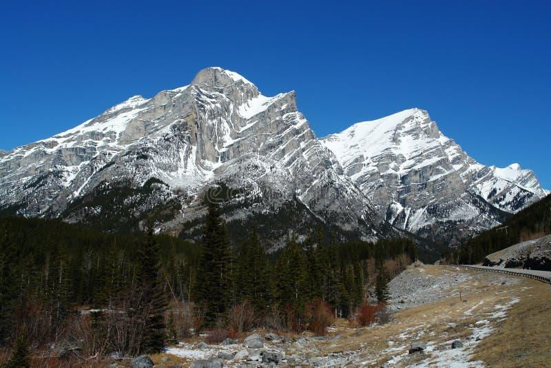 Invierno rockies a lo largo de la carretera 40 fotos de archivo