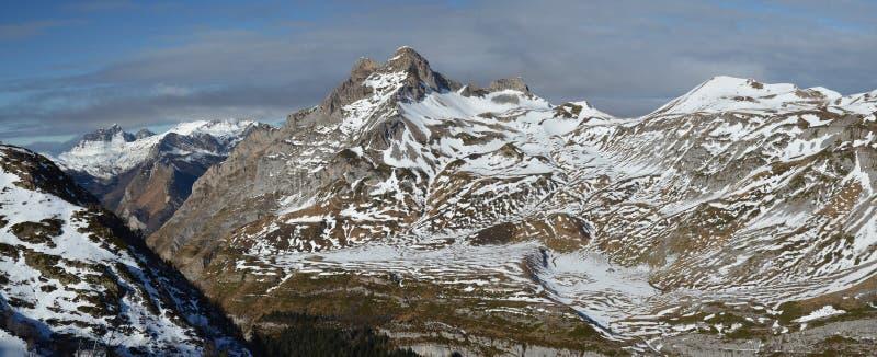Invierno suave en los Pirineos atlánticos imagen de archivo libre de regalías