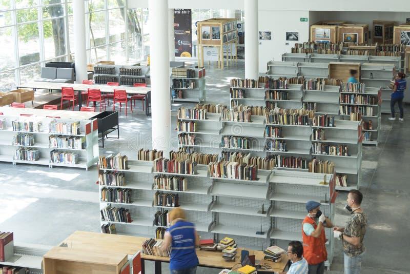 Invigningsdag December 2018 för piloto för pública för offentligt bibliotekmedellin biblioteca royaltyfria bilder