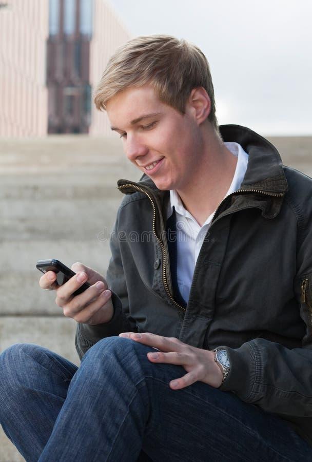 Invio dello SMS fotografia stock libera da diritti