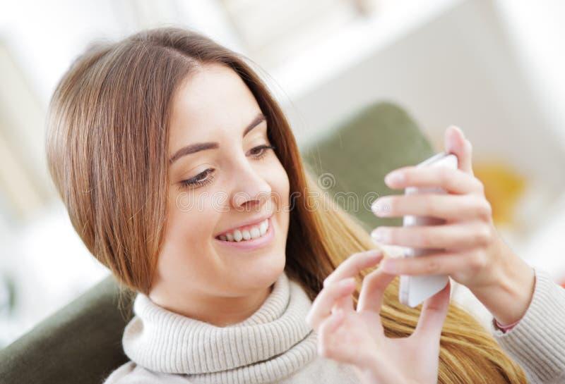 Invio di messaggi di testo immagine stock