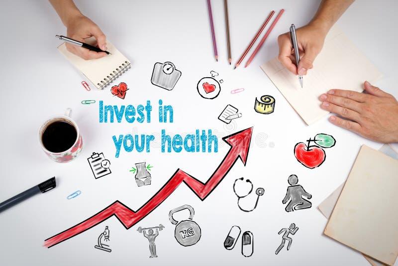 Invista em seu conceito da saúde Fundo do estilo de vida de Healty A reunião na tabela branca do escritório foto de stock