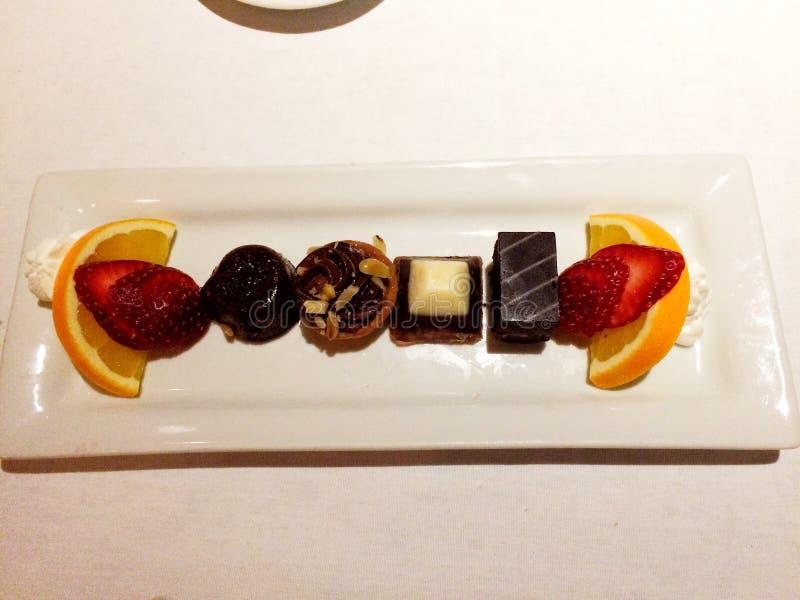Invitaciones del chocolate, todas en fila imagen de archivo libre de regalías