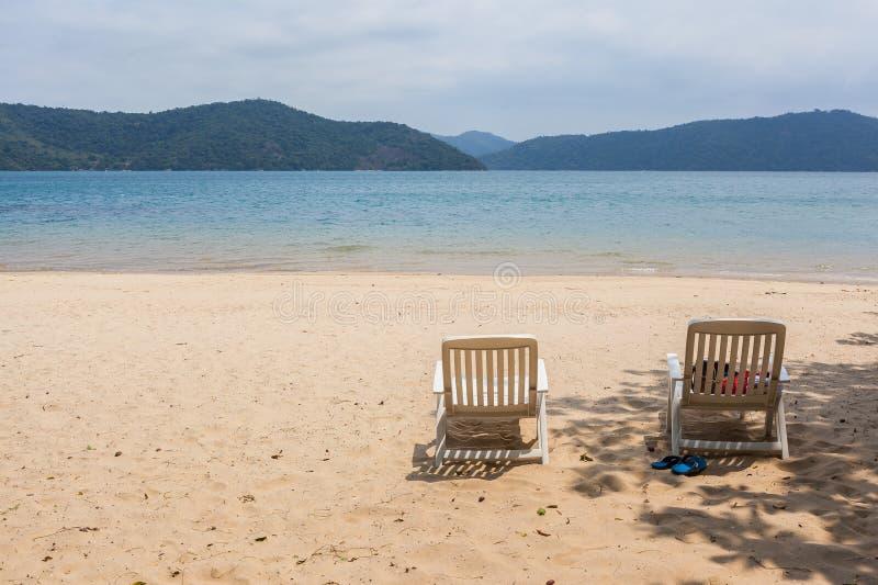 Invito a rilassarsi - vista della linea costiera brasiliana fotografia stock libera da diritti