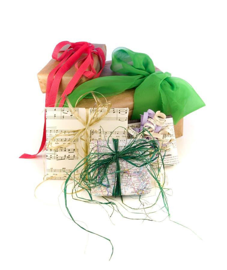 Involucri di regalo di carta riciclati immagini stock libere da diritti