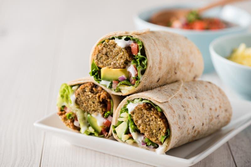 Involucri vegetariani del falafel immagini stock