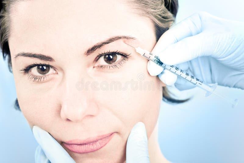 Inyección de Botox imagen de archivo libre de regalías