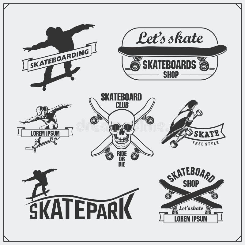 Inzameling van het met een skateboard rijden van etiketten, emblemen, kentekens en ontwerpelementen vector illustratie