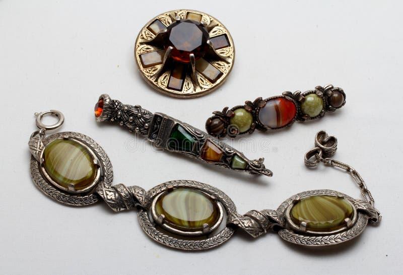 Inzameling van kostuumjuwelen in Keltische stijl stock foto