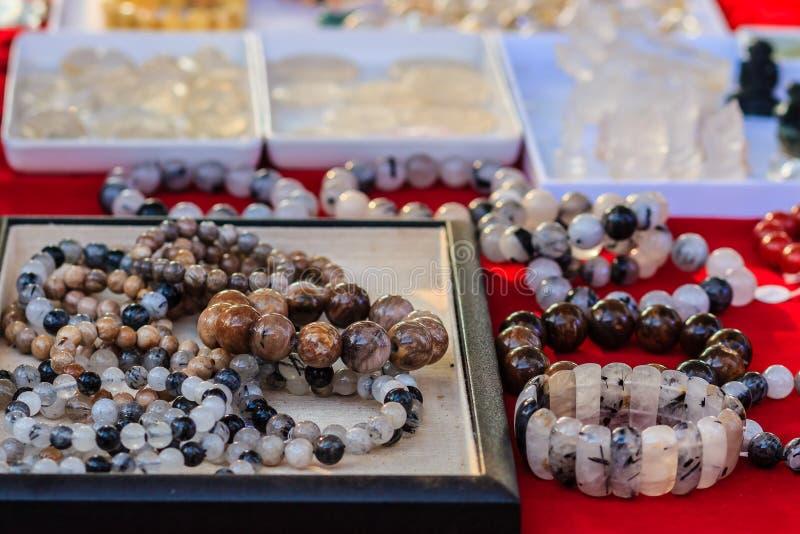 Inzameling van Pongkaam-het kristal van het armbandkwarts Mooie bracel royalty-vrije stock foto's