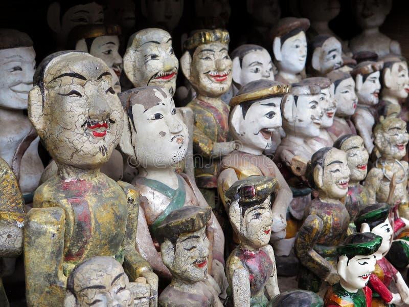 Inzameling van Vietnamese watermarionetten bij de Tempel van Literatuur, Hanoi, Vietnam stock foto