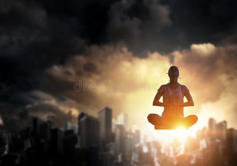 Ioga como a terapia física e espiritual Meios mistos fotos de stock