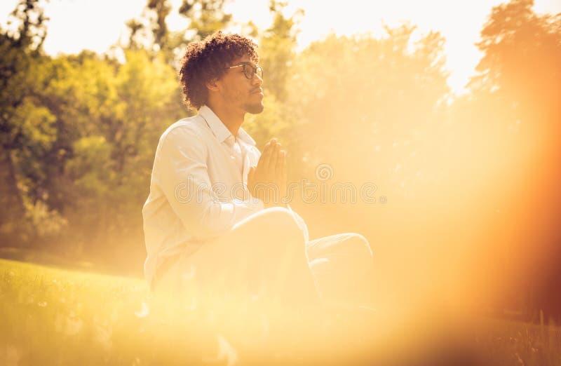 A ioga e relaxa imagem de stock royalty free