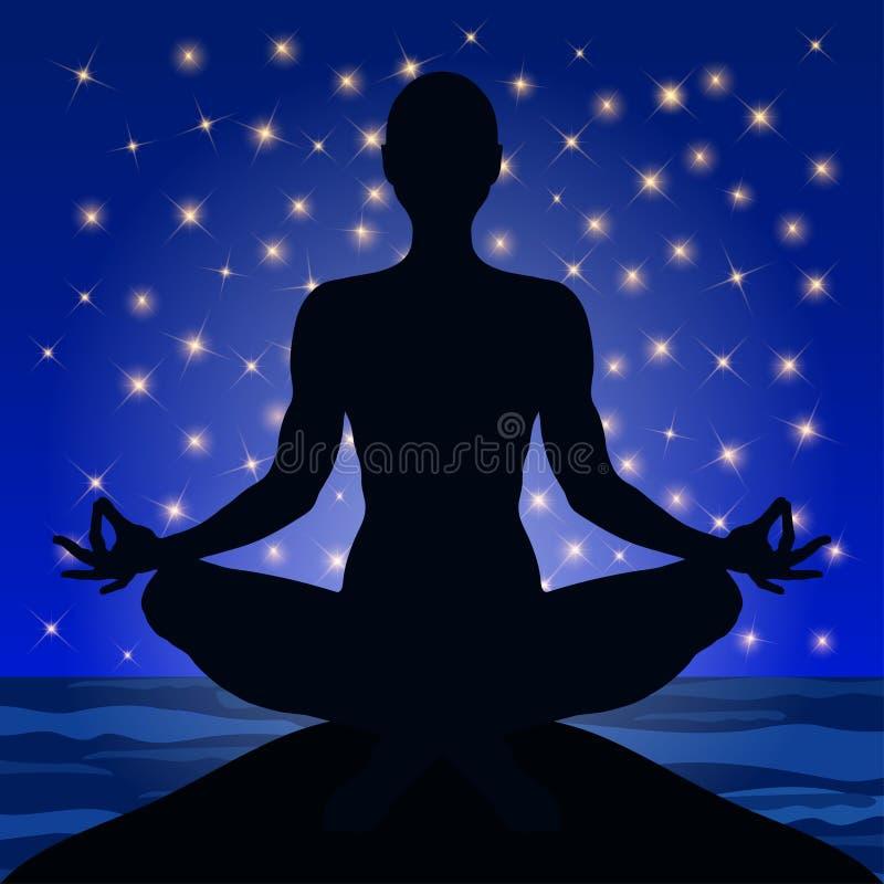 Ioga, figura de um homem que senta-se em uma pose dos lótus na perspectiva do céu noturno e estrelas, silhueta do vetor ilustração royalty free