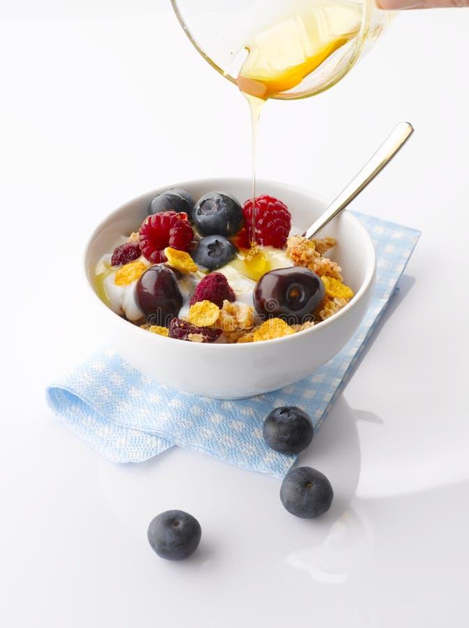 Iogurte com fruto fresco e Granola fotos de stock