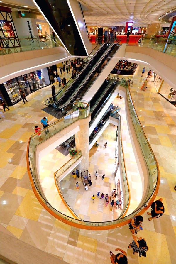 ION Orchard shoppinggalleria Singapore arkivbilder