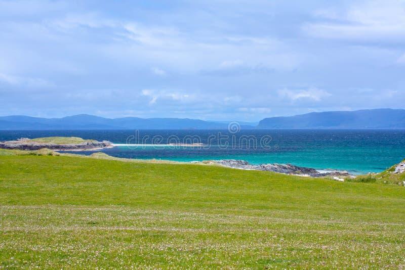 Iona är en liten ö i den inre Hebridesen av Rossen av Mull på den västra kusten av Skottland royaltyfri fotografi