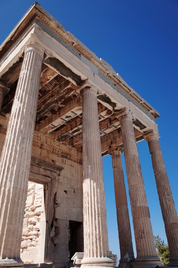 Ionenspalten bei Erechtheum der Akropolises stockbild