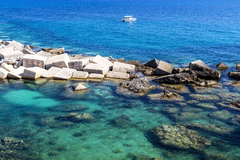 Ionian hav på Gallipoli, Italien arkivfoton