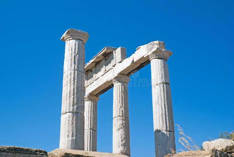 Ionian szpaltowy kapitał, architektoniczny szczegół na Delos wyspie zdjęcia royalty free