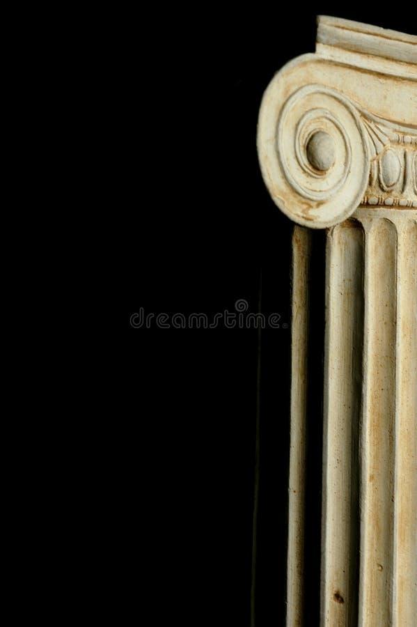 ionic gammalt för kolonn royaltyfri fotografi