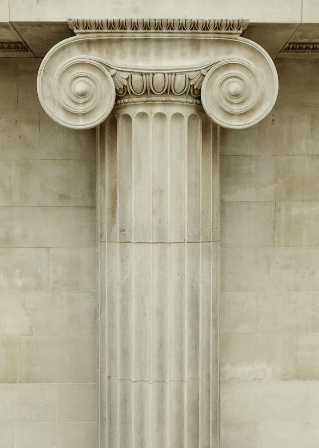 Ionische kolom stock foto