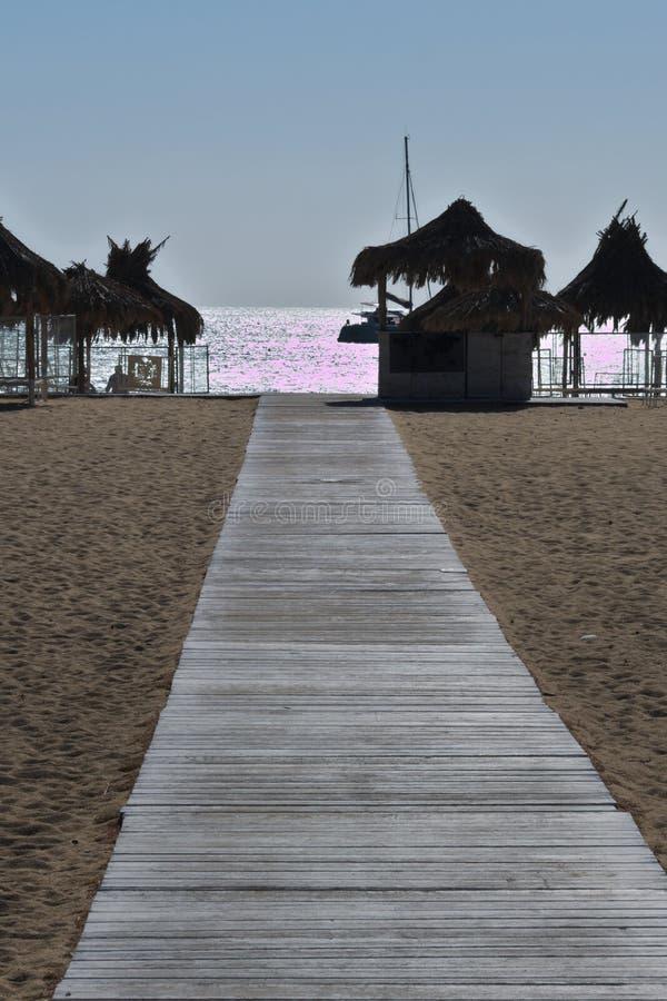 ??Ios??  Mylopotos海滩,黄昏 库存图片