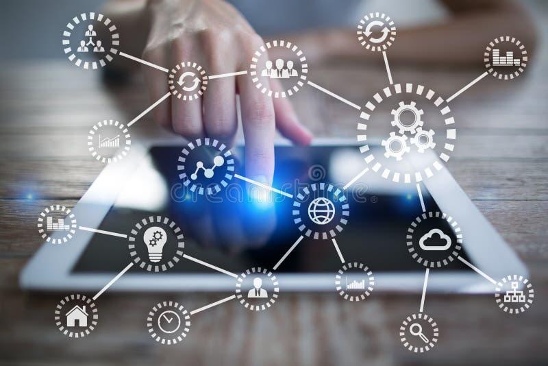 IOT Internet das coisas Automatização e conceito moderno da tecnologia imagem de stock royalty free