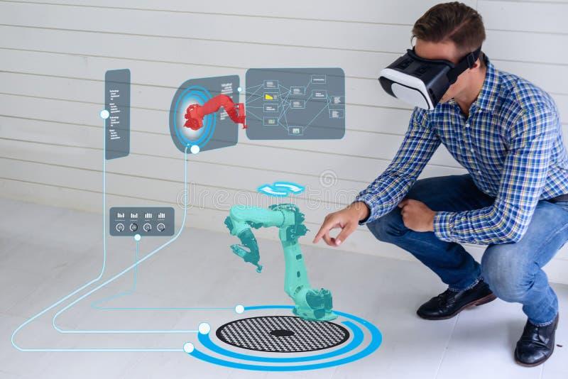 Iot smart teknologi som är futuristisk i bransch 4 0 begrepp, teknikerbruk ökade blandad virtuell verklighet till utbildning och  royaltyfri bild