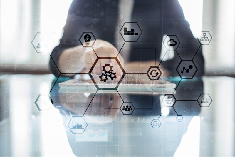 IOT y concepto de la automatización como innovación, mejorando productividad, confiabilidad en tecnología y procesos de negocio fotografía de archivo