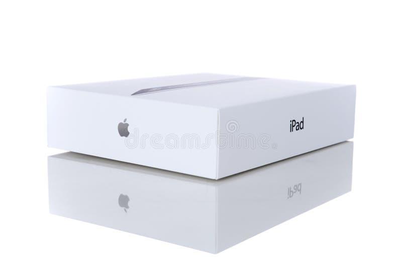 iPad 2 de Apple con la cubierta elegante y el rectángulo original fotos de archivo