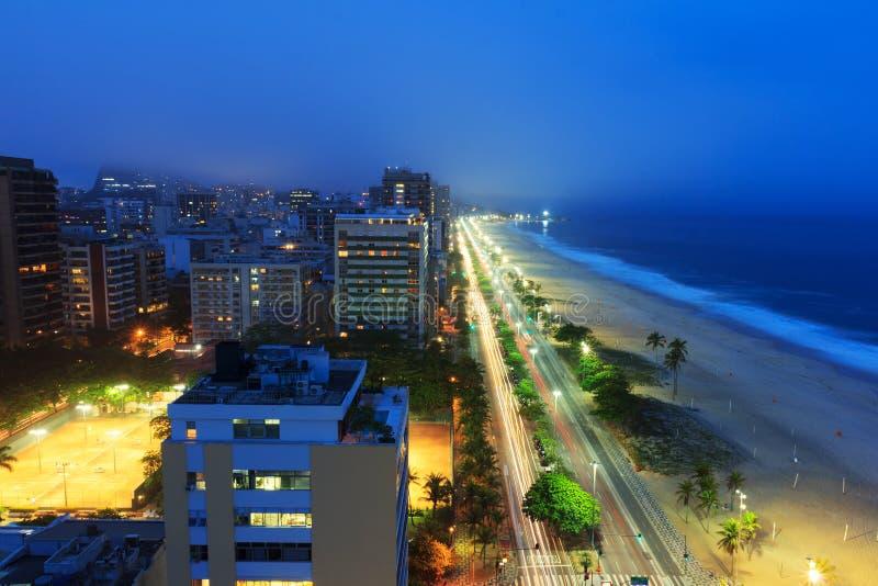 Ipanema strandhav med dimma från havet på bakgrunden, Rio de Janeiro D royaltyfria foton