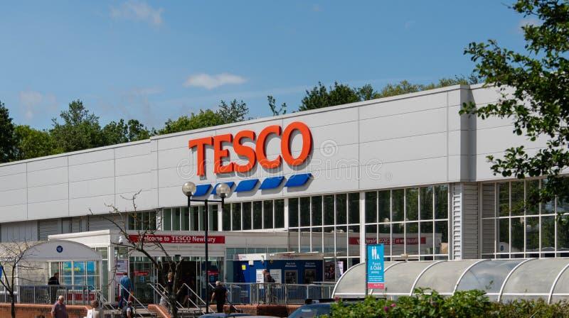 Ipermercato Newbury di Tesco immagini stock libere da diritti