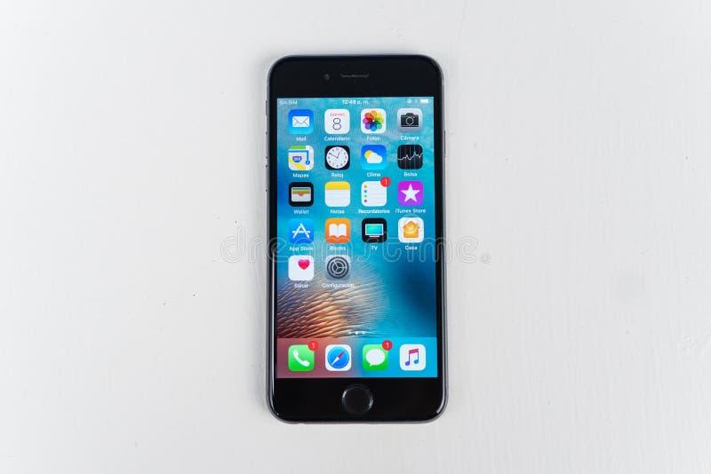 IPhone 7正马特黑色关闭 免版税库存图片