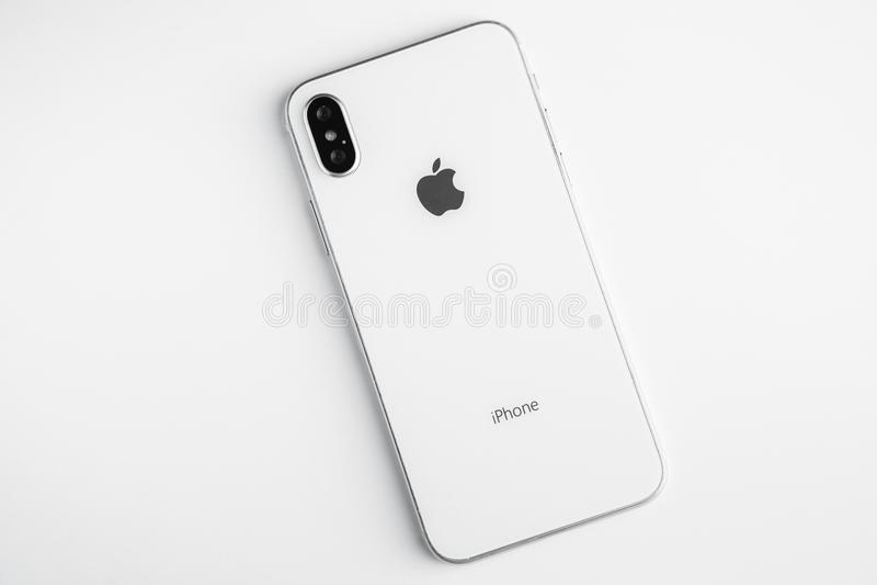 IPhone branco novo X O modelo o mais atrasado de Apple Iphone 10 fotografia de stock royalty free
