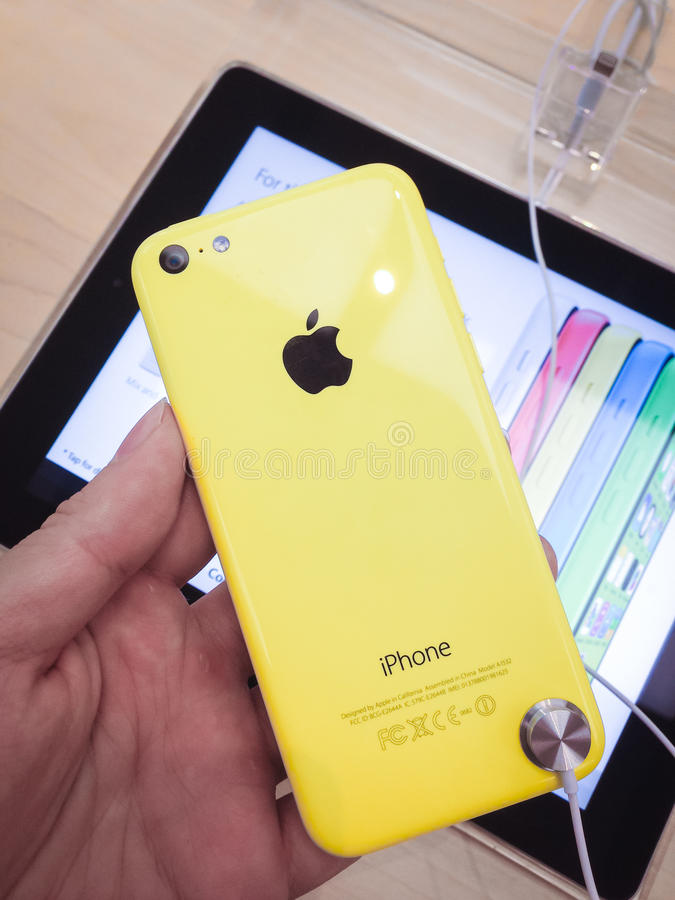Download IPhone 5c editorial stock image. Image of phone, store - 34451769