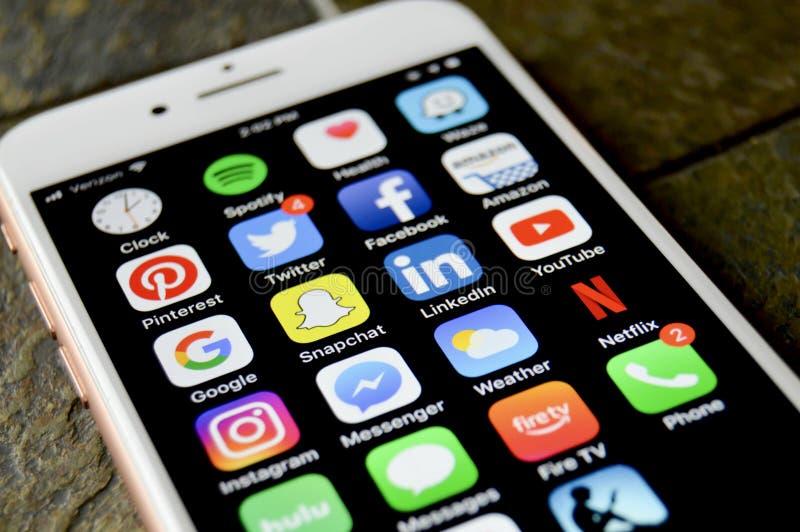 iPhone met apps stock afbeelding