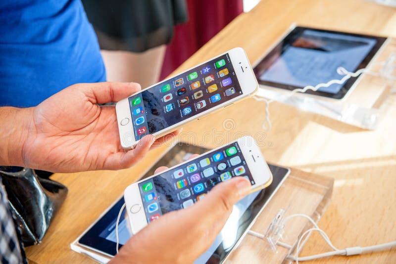 IPhone novo 6 de Apple e iPhone 6 positivo imagem de stock