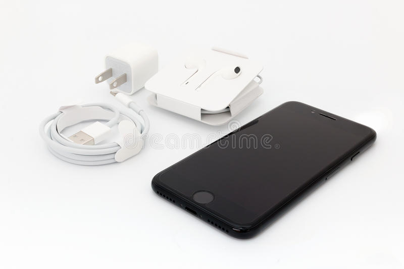 IPhone novo 7 de Apple que unboxing imagem de stock