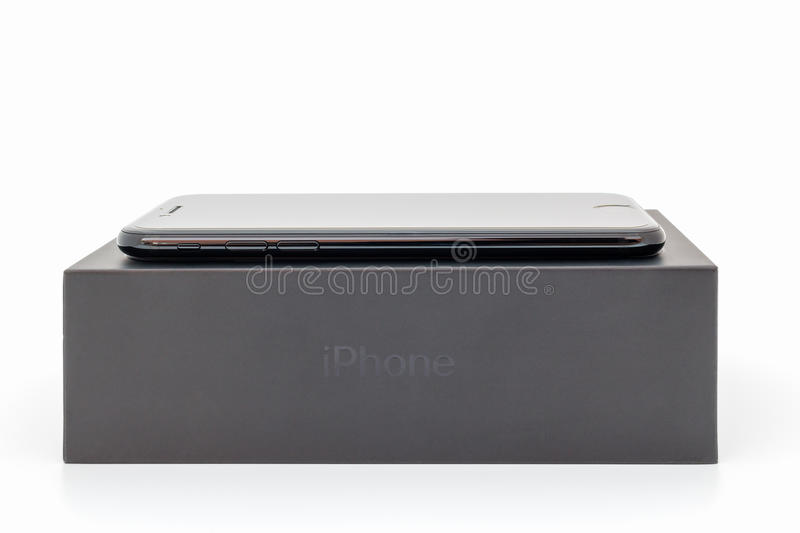 IPhone novo 7 de Apple que unboxing fotografia de stock royalty free