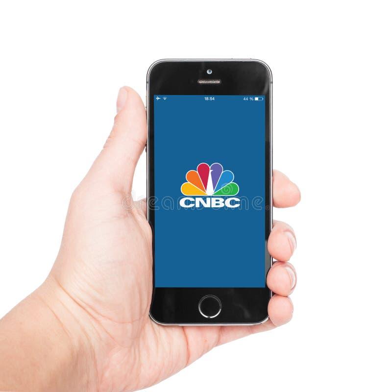 IPhone 5s met CNBC app stock afbeeldingen