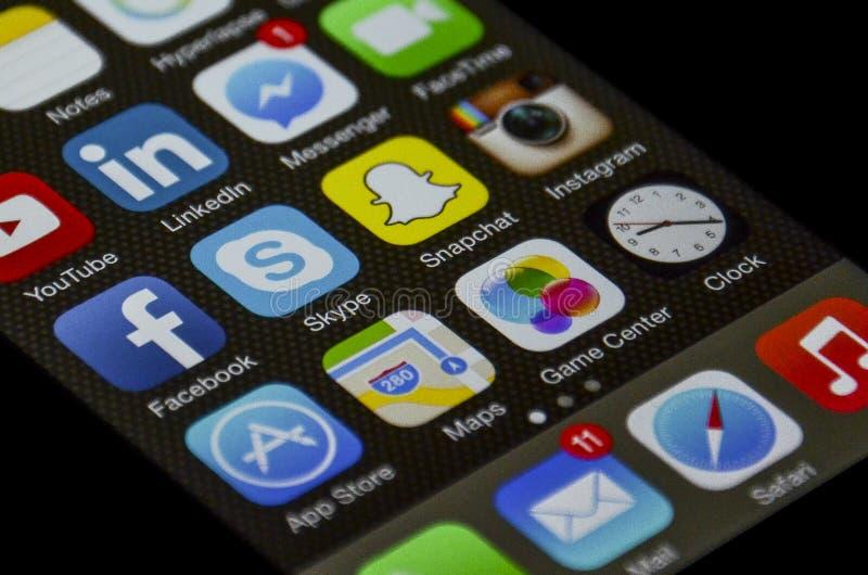 Iphone sociaal netwerk apps stock afbeeldingen