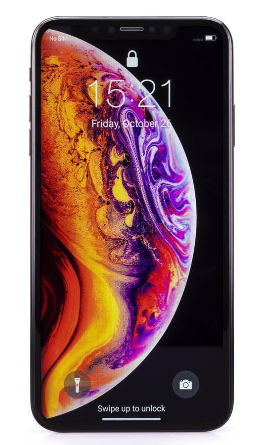 IPhone Xs som är maximal på vit royaltyfria bilder