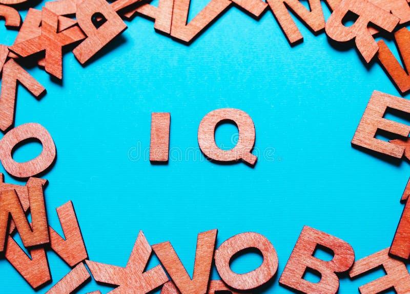 IQ drewniani listy zdjęcie stock