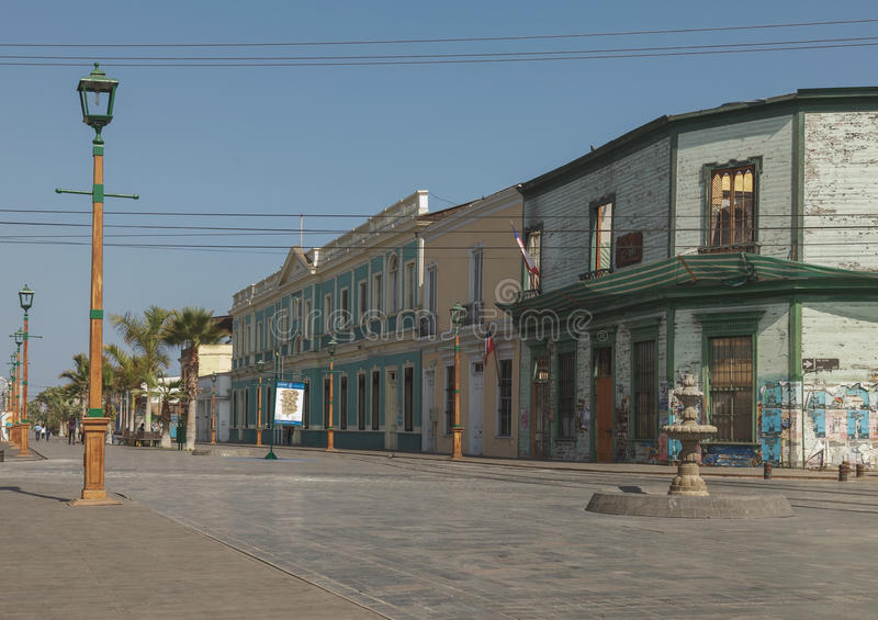 IQUIQUE, O CHILE - 28 DE JULHO: Zona de passeio na parte velha de Iquique foto de stock