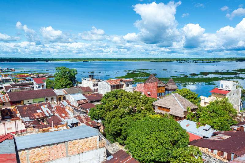 Iquitos και ποταμός στοκ φωτογραφία